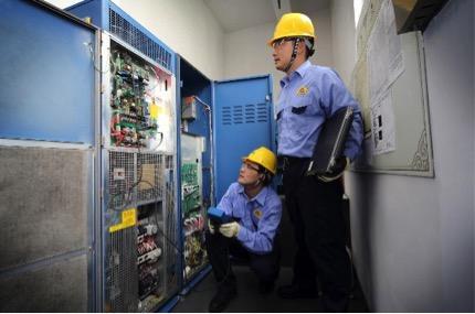 电梯维修图片